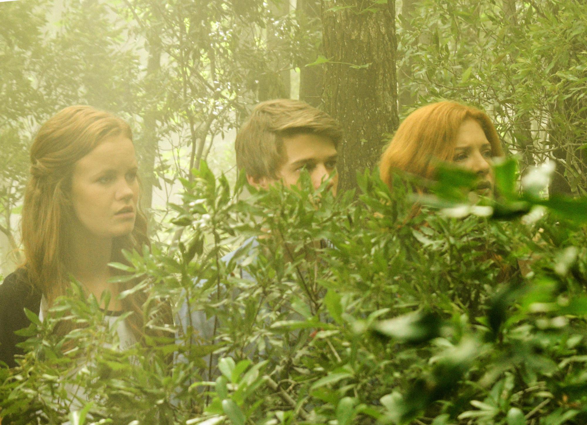 Mackenzie Lintz as Norrie Calvert-Hill, Colin Ford as Joe McAlister, and Rachelle Lefevre as Julia Shumway.