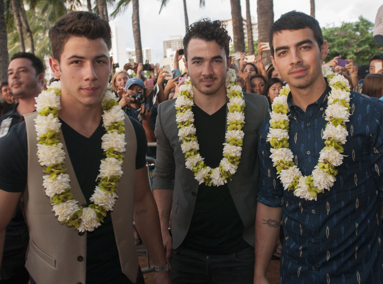 Hawaii Five-0 Sunset on the Beach - The Jonas Brothers