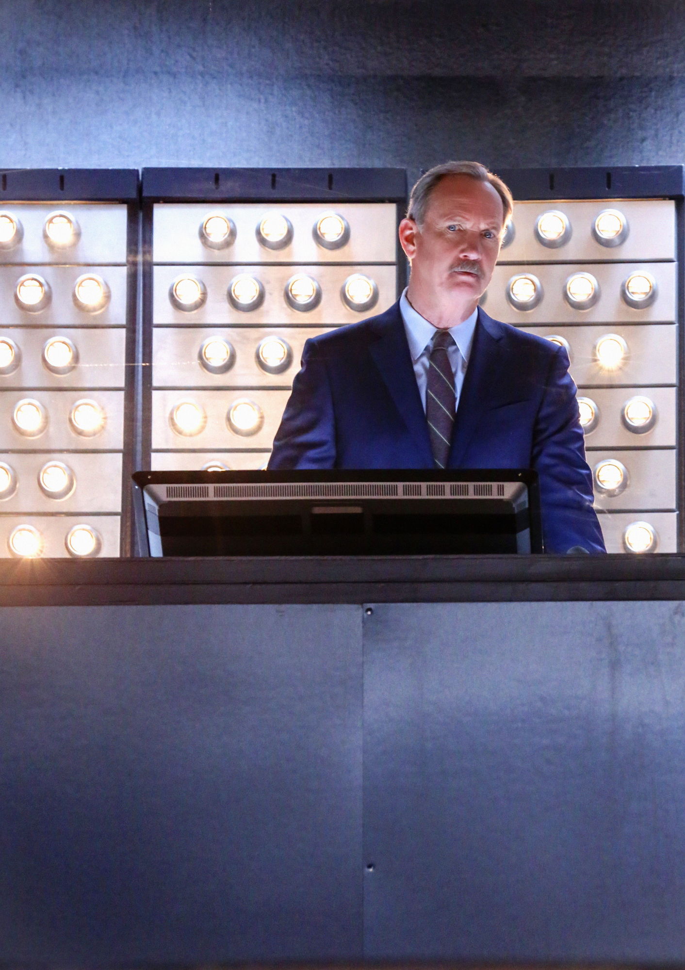 Michael O'Neill in Extant - First Look