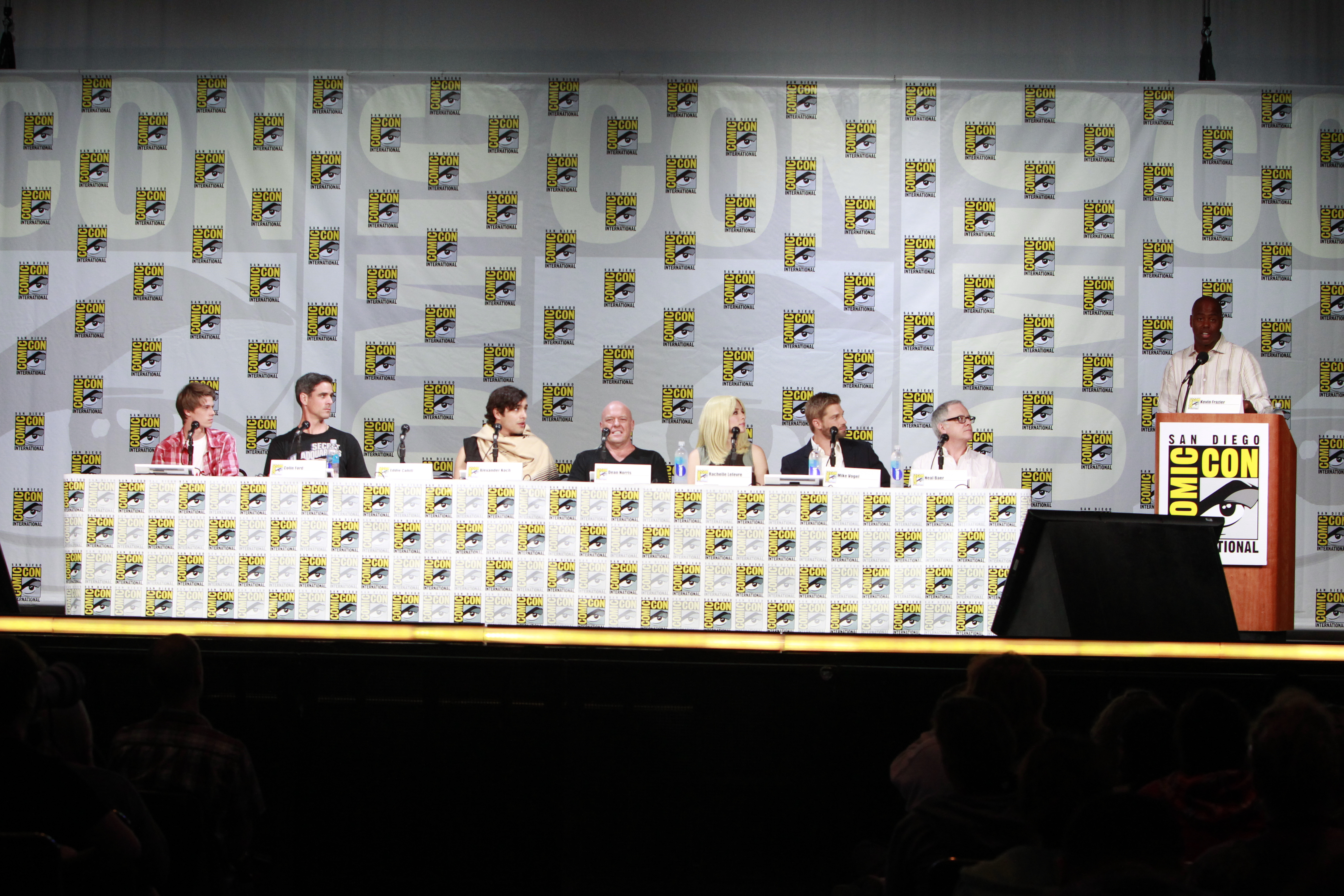 Kevin Frazier Moderates The Under The Dome Comic-Con Panel