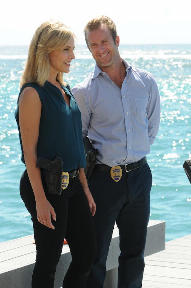 Julie Benz as Inspector Abby Dunn and Scott Caan as Danny