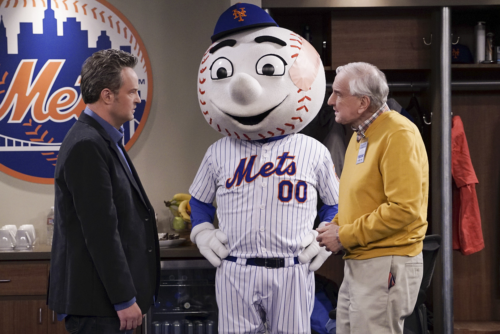 Unfortunately, Oscar takes out his father frustrations on Mr. Met.