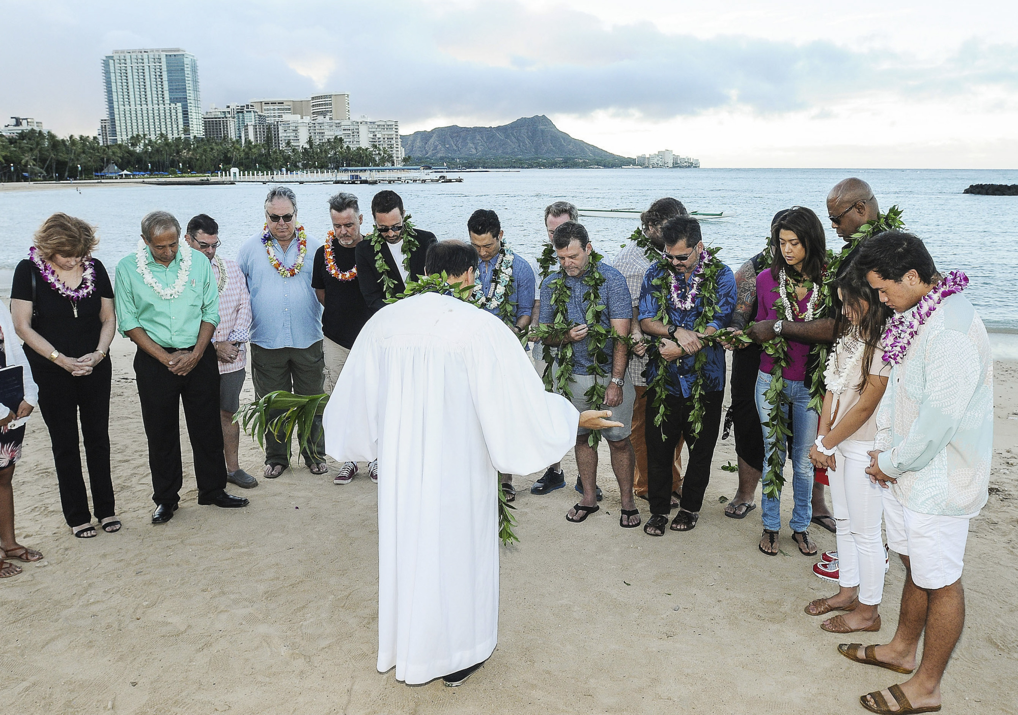 The ceremony closed with a traditional Pule Ho'oku'u prayer.
