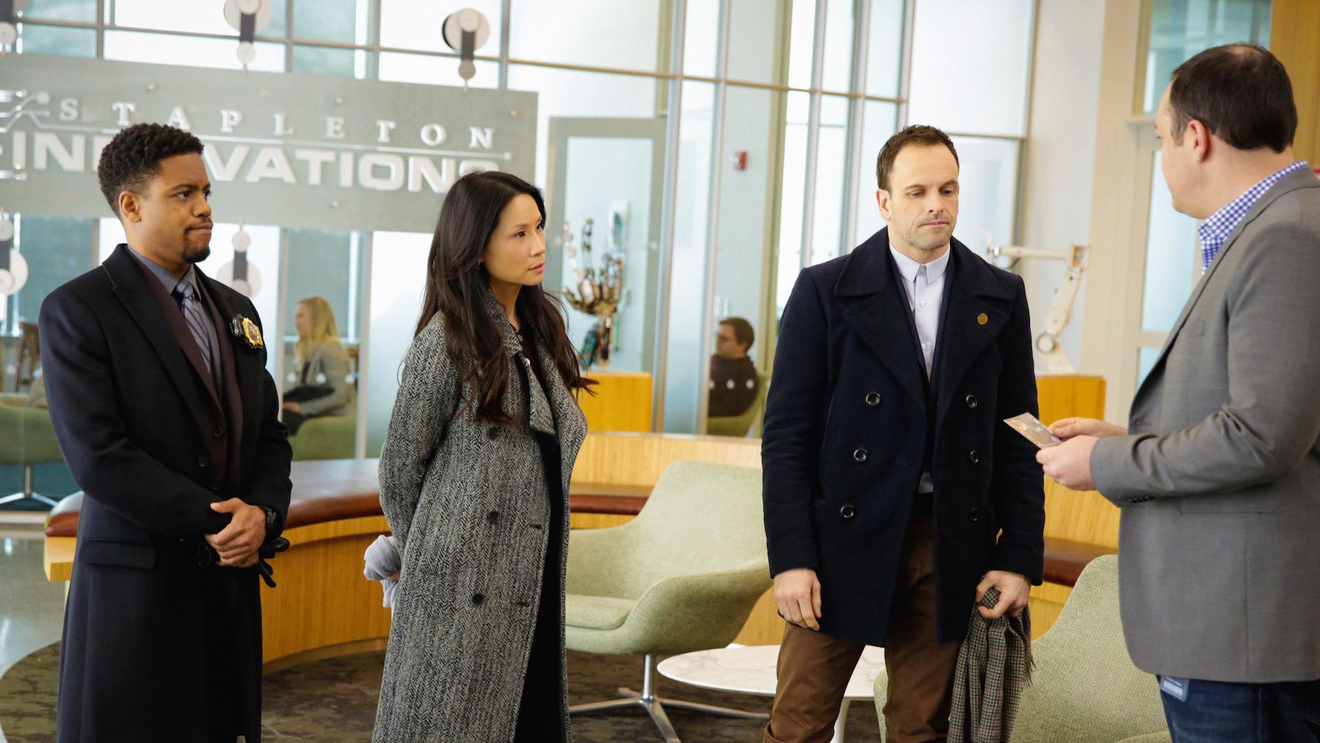 Jon Michael Hill as Detective Marcus Bell, Lucy Liu as Joan Watson and Jonny Lee Miller as Sherlock Holmes