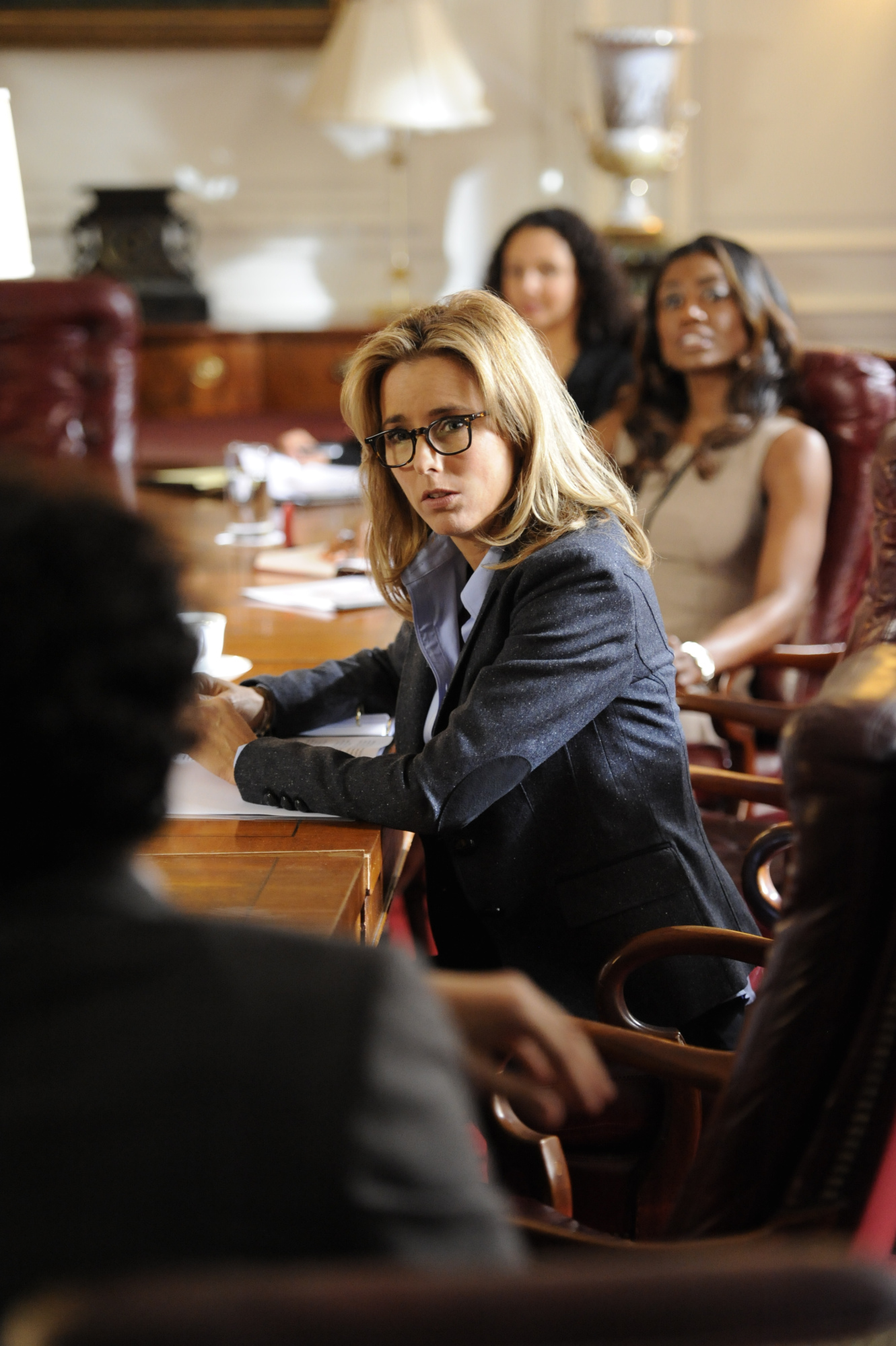 "6. Téa Leoni is well-known for her critically acclaimed TV role in the situation comedy ""The Naked Truth."""