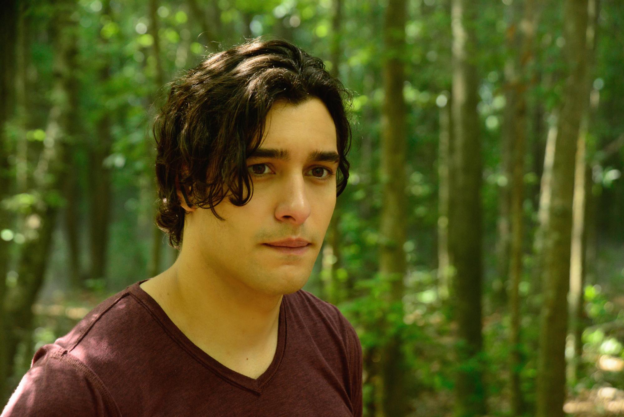 Alexander Koch as Junior Rennie.