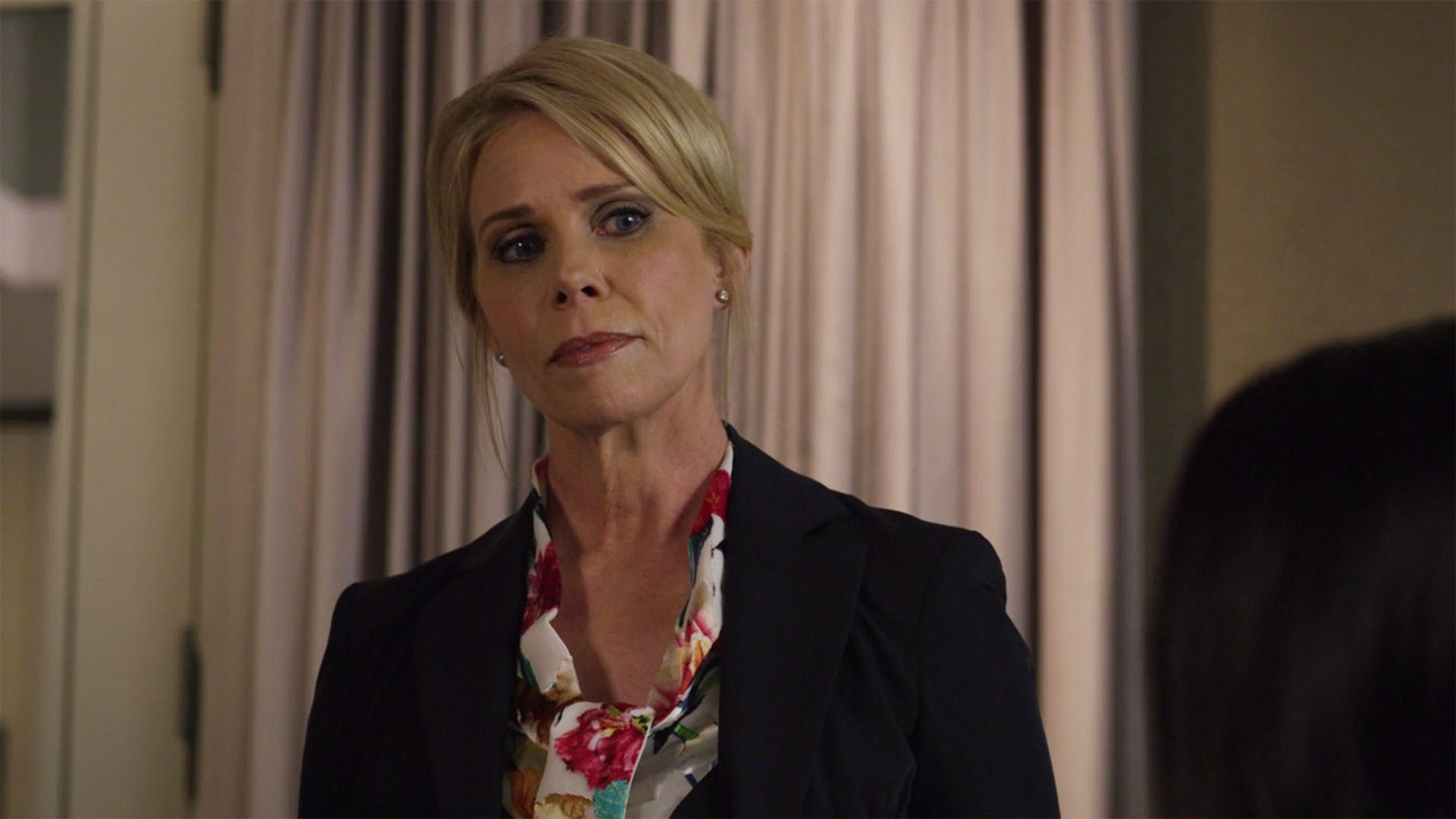 Cheryl Hines as Brenda Decarlo