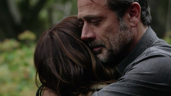 JD and Molly share a tearful goodbye.