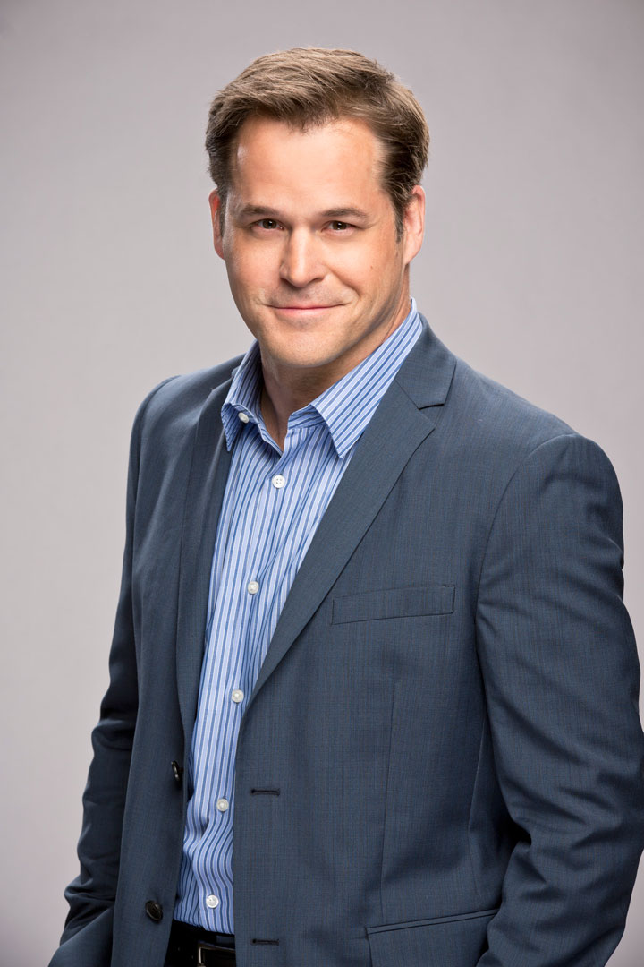 4. Kyle Bornheimer is all about brotherly love.