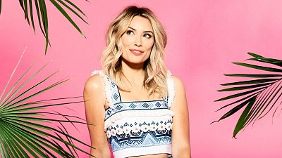 Actress And Comedian Arielle Vandenberg To Host Love Island USA