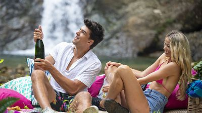How To Get Your Crush To Like You Back, According To Love Island
