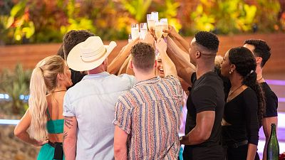 Raise A Glass To These Love Island-Inspired New Year's Resolutions